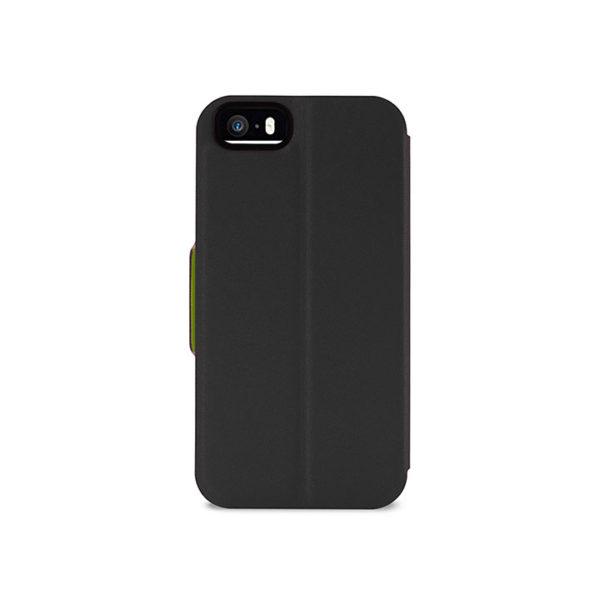 Θήκη με προστατευτικό κάλυμμα διαμορφωμένο στις μορφές του iPhone 5 / 5s και κατασκευασμένο από μαλακό και εκλεπτυσμένο οικολογικό δέρμα. Χαρακτηρίζεται από την άνετη οριζόντια κοπή και το λεπτό και κομψό του προφίλ.